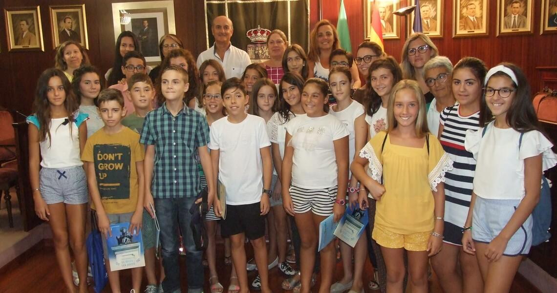 Escolares del CLIA visitan el Ayuntamiento de Lepe