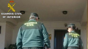 La Guardia Civil relaciona a tres personas con dos robos perpetrados en viviendas de Lepe e Islantilla