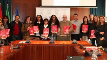"""Cartaya presenta """"Educa-T"""", un proyecto pionero que recoge las actividades educativas municipales"""