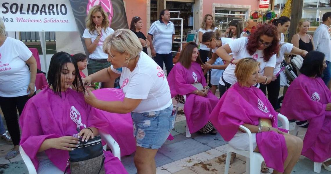 """Gran éxito del evento """"Mechones Solidarios"""" para la donación de pelo destinado a la realización de pelucas oncológicas"""