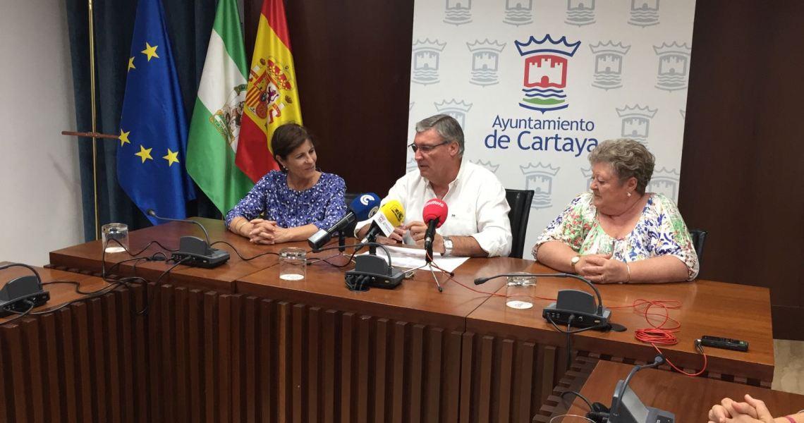 Reconocimiento municipal a la nueva Hermana Mayor de la Hermandad del Rocío de Cartaya