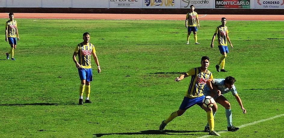 El Isla Cristina FC vence en el duelo provincial de la División de Honor Sénior