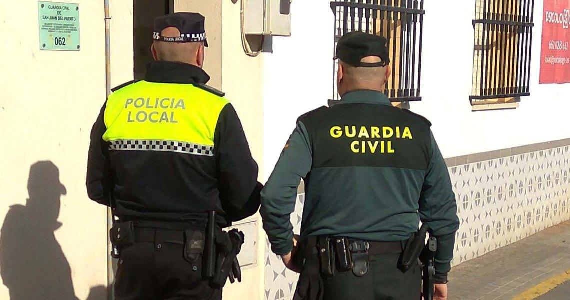 La Guardia Civil junto con Policía Local detiene a dos varones tras el robo en varias viviendas de la localidad de San Juan del Puerto