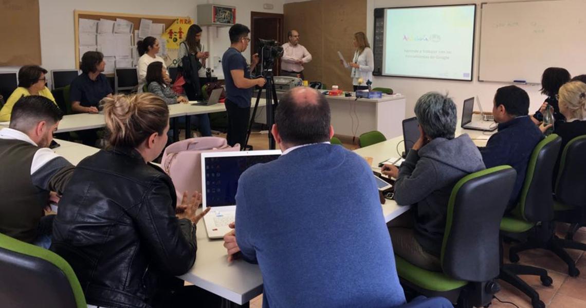 Taller de Andalucía Lab sobre herramientas de Google en Islantilla