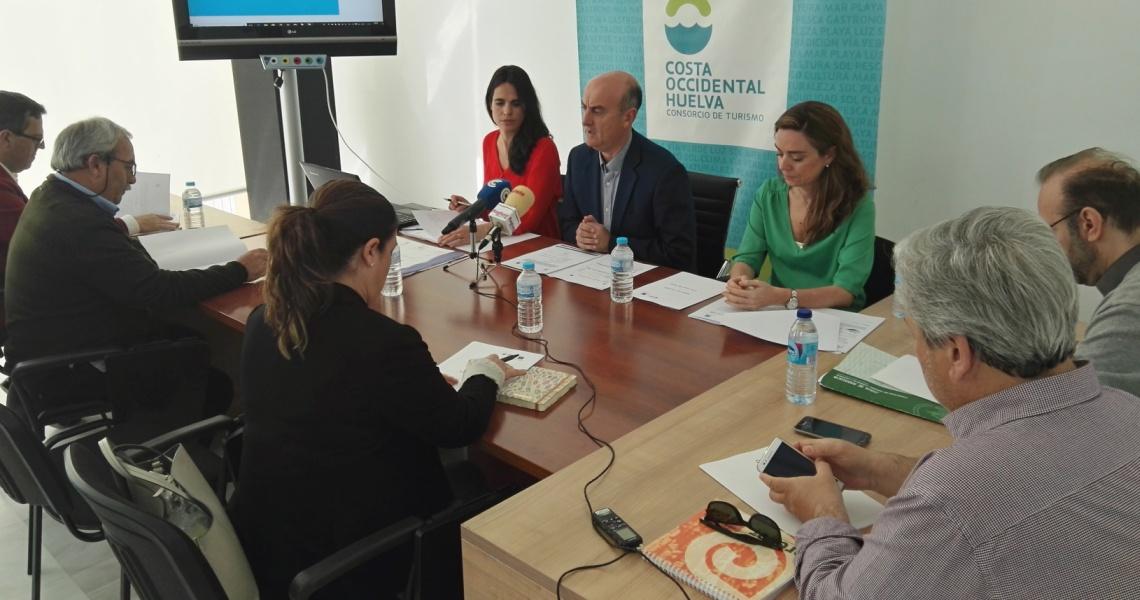 El Consorcio de Turismo de la Costa Occidental de Huelva celebra en Lepe la mesa de calidad del destino turístico