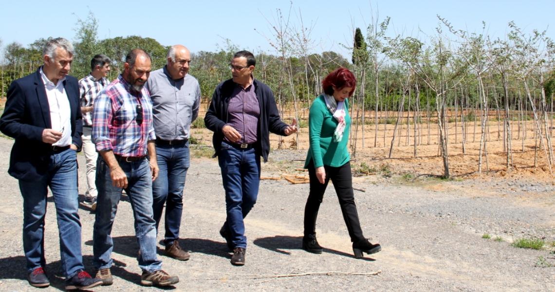 Caraballo visita el Vivero Provincial tras finalizar la campaña de plantas de temporada dirigida a municipios y ELAs