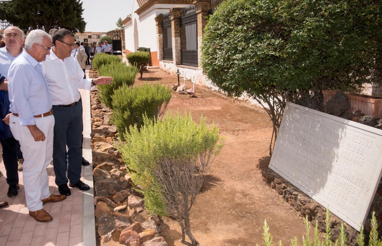 Diputación y Junta colaborarán en la localización y exhumación de víctimas de la Guerra Civil española