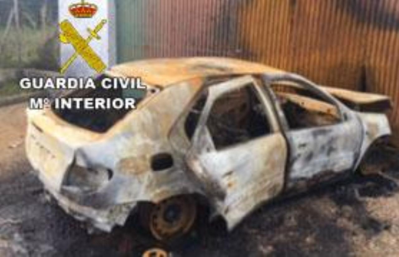 La Guardia Civil ha detenido a un varón que prendió fuego a un vehículo en un lugar próximo a una gasolinera en la localidad de Cartaya