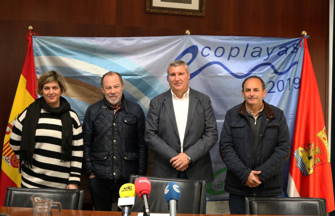 Las Playas de Cartaya renuevan las banderas Ecoplayas de Nuevo Portil y San Miguel