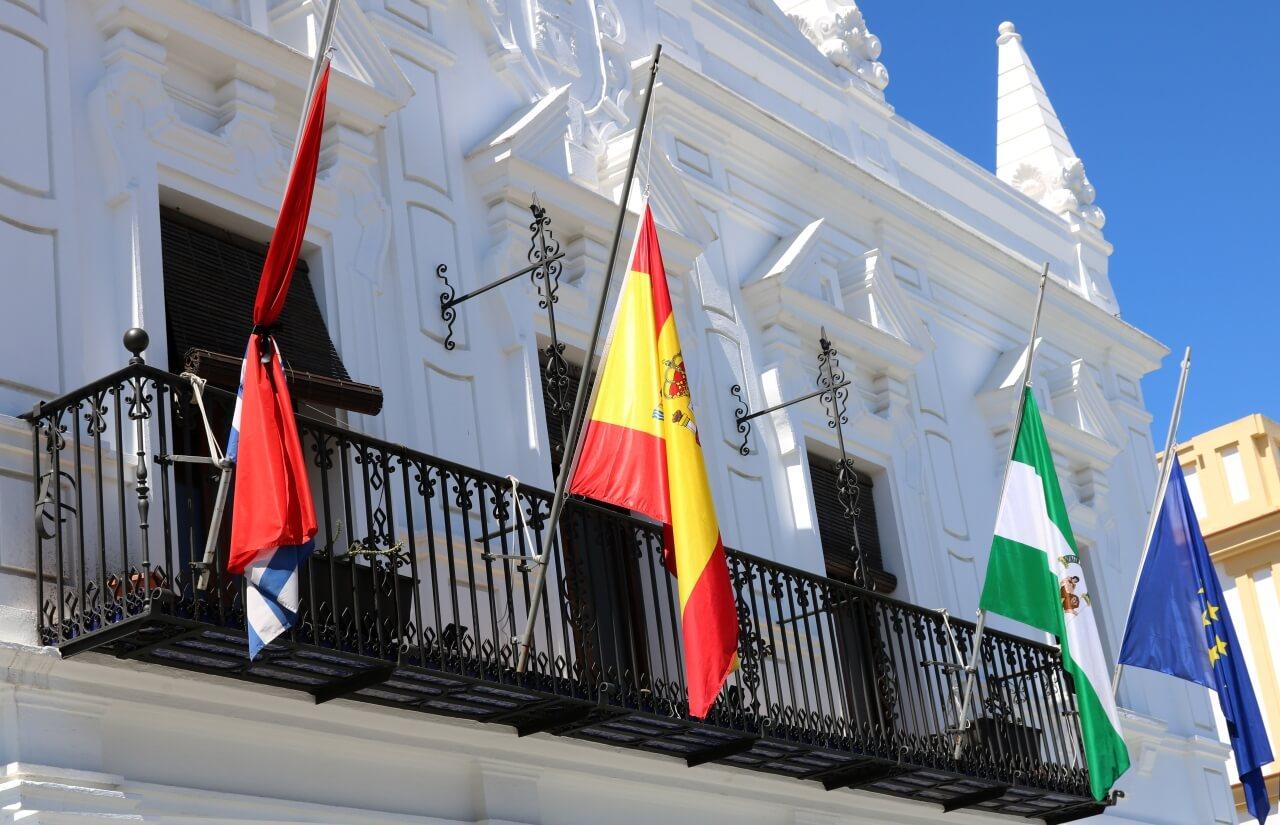 El Ayuntamiento de Cartaya decreta tres días de luto oficial por el fallecimiento de las dos vecinas de la localidad