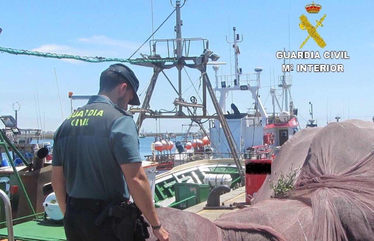 La Guardia Civil ha procedido a la detención de un varón que robaba el plomo de las artes de pesca en la localidad de Punta Umbría