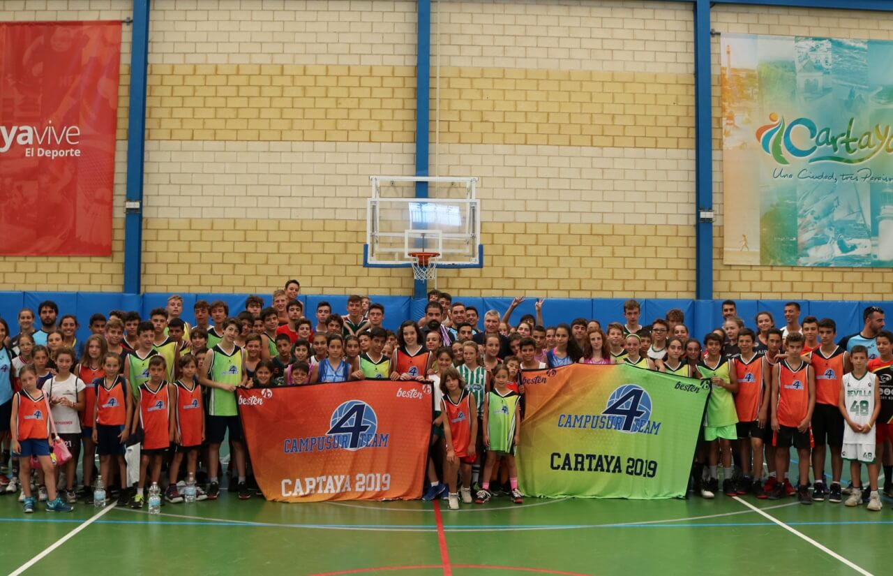 Más de un centenar de niños y niñas participan en el IV Campus de Baloncesto CampoSur 2019, en Cartaya