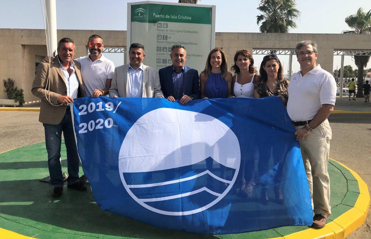 El Puerto Deportivo isleño luce desde el sábado la Bandera Azul