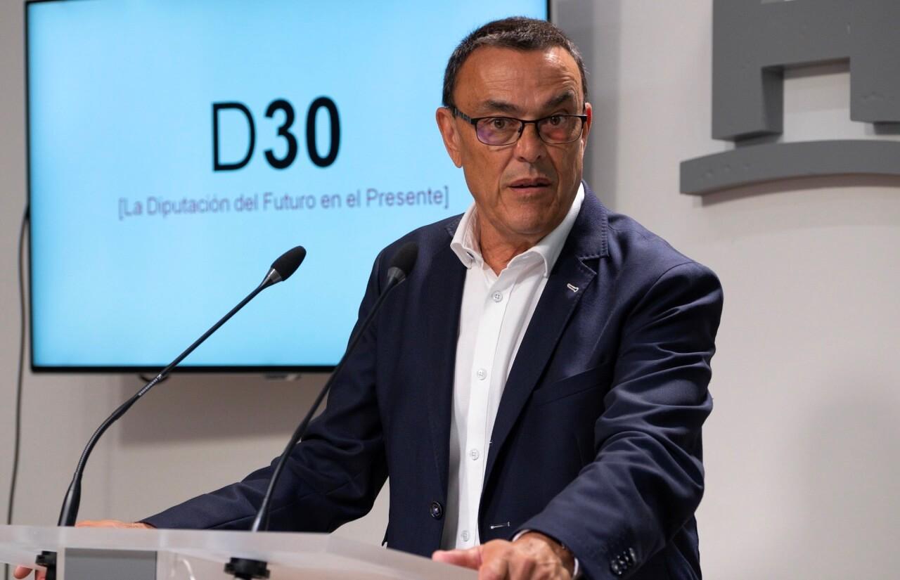 La Diputación estrena una estructura «innovadora, valiente y a medida» basada en tres vicepresidencias