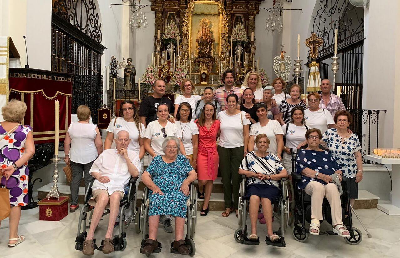 Visita de los mayores en compañía de ADL al templo de Santo Domingo