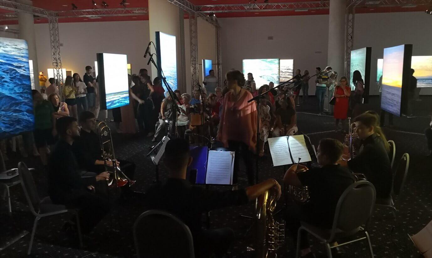 La escuela de música ofrece un concierto en el marco de «Tránsito de la Luz» en Islantilla
