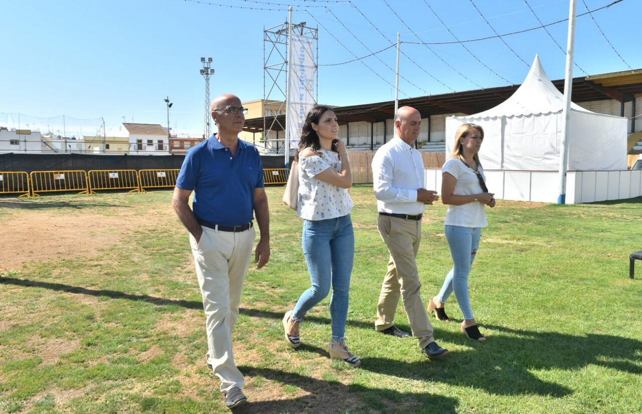 El alcalde realiza una visita al recinto ferial de las fiestas de la Bella y San Roque