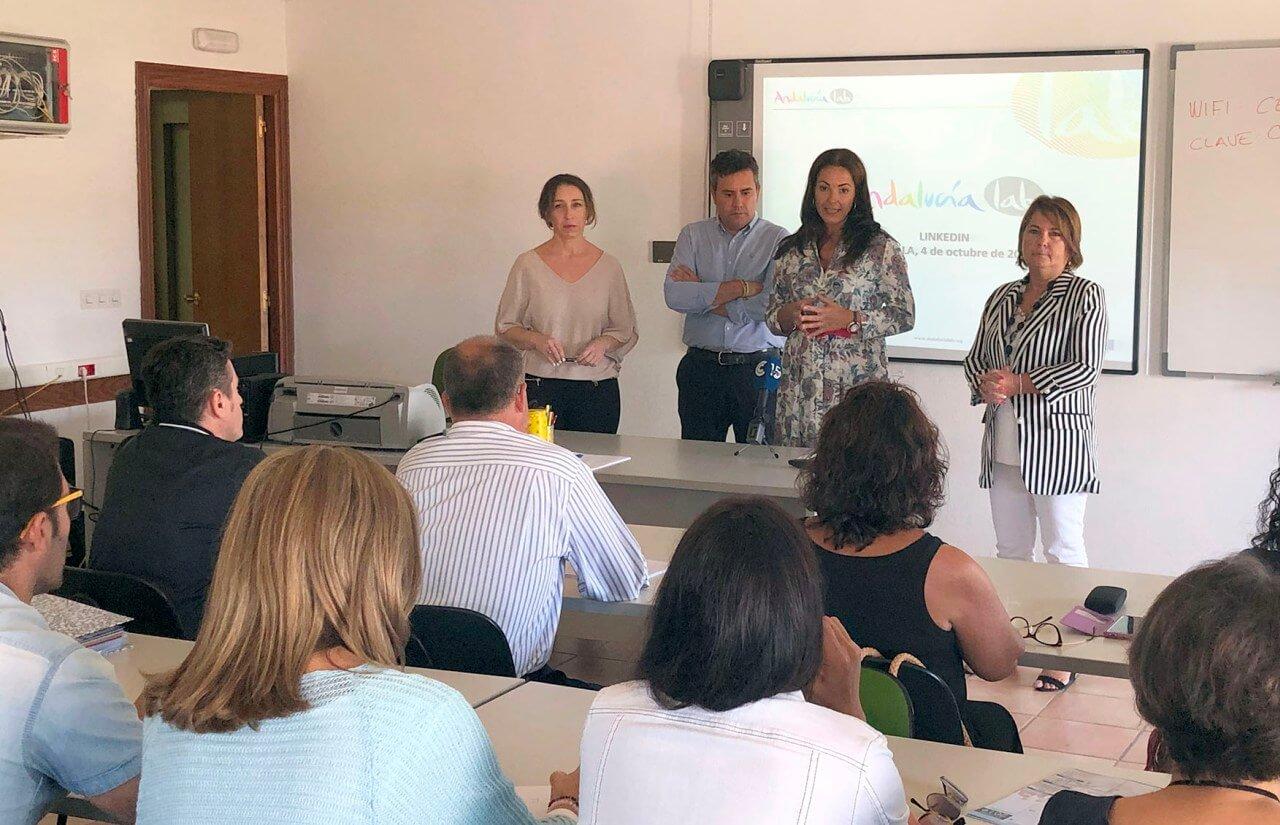Islantilla acoge un taller de Andalucía Lab sobre Linkedin dirigido a emprendedores, empresarios, pymes y profesionales del sector turístico