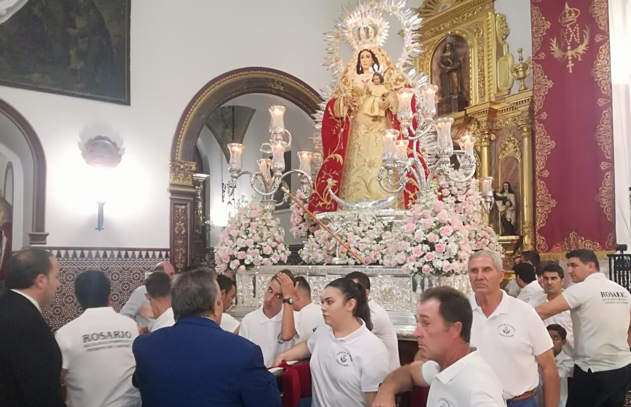 La procesión de Ntra. Sra. del Rosario y la Traca Final boches de oro a la Feria de Octubre cartayera