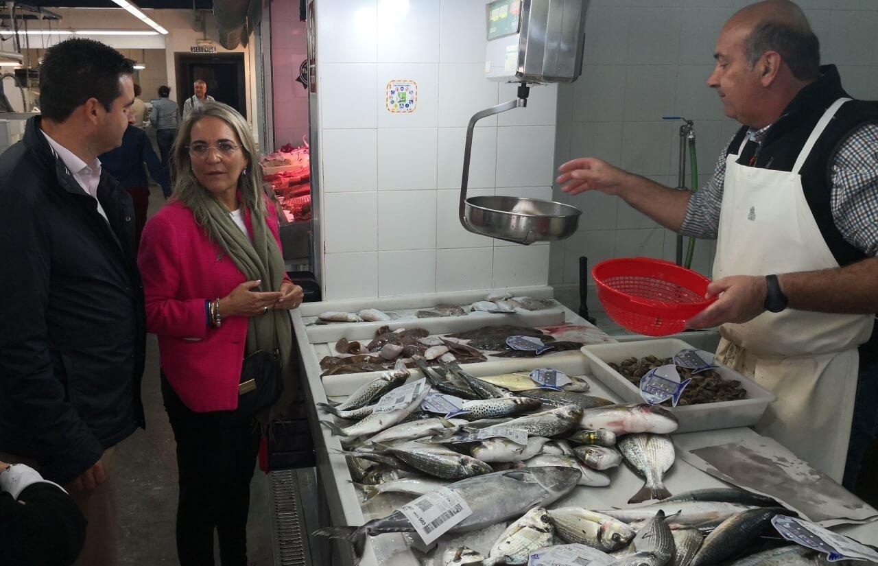 El PSOE elogia la labor de los autónomos y pequeños comerciantes como motor de desarrollo local y garantiza más medidas para mejorar sus derechos