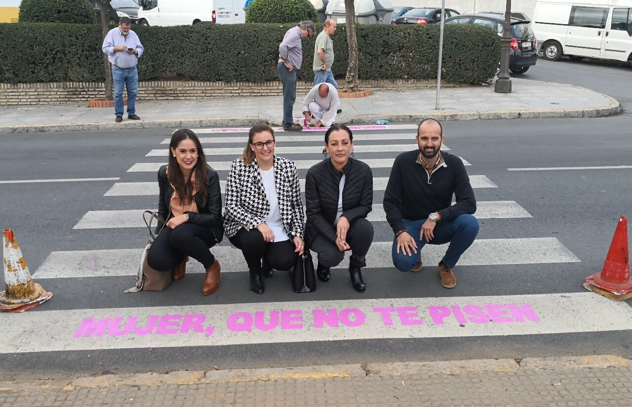 Los pasos de peatones, herramienta contra la violencia de género en Cartaya