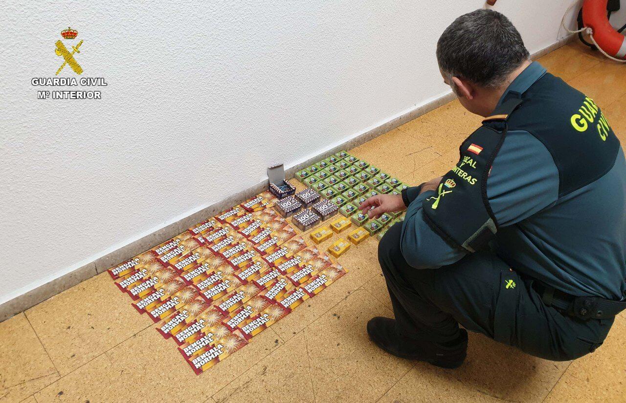 La Guardia Civil ha intervenido más de 3.000 artificios pirotécnicos