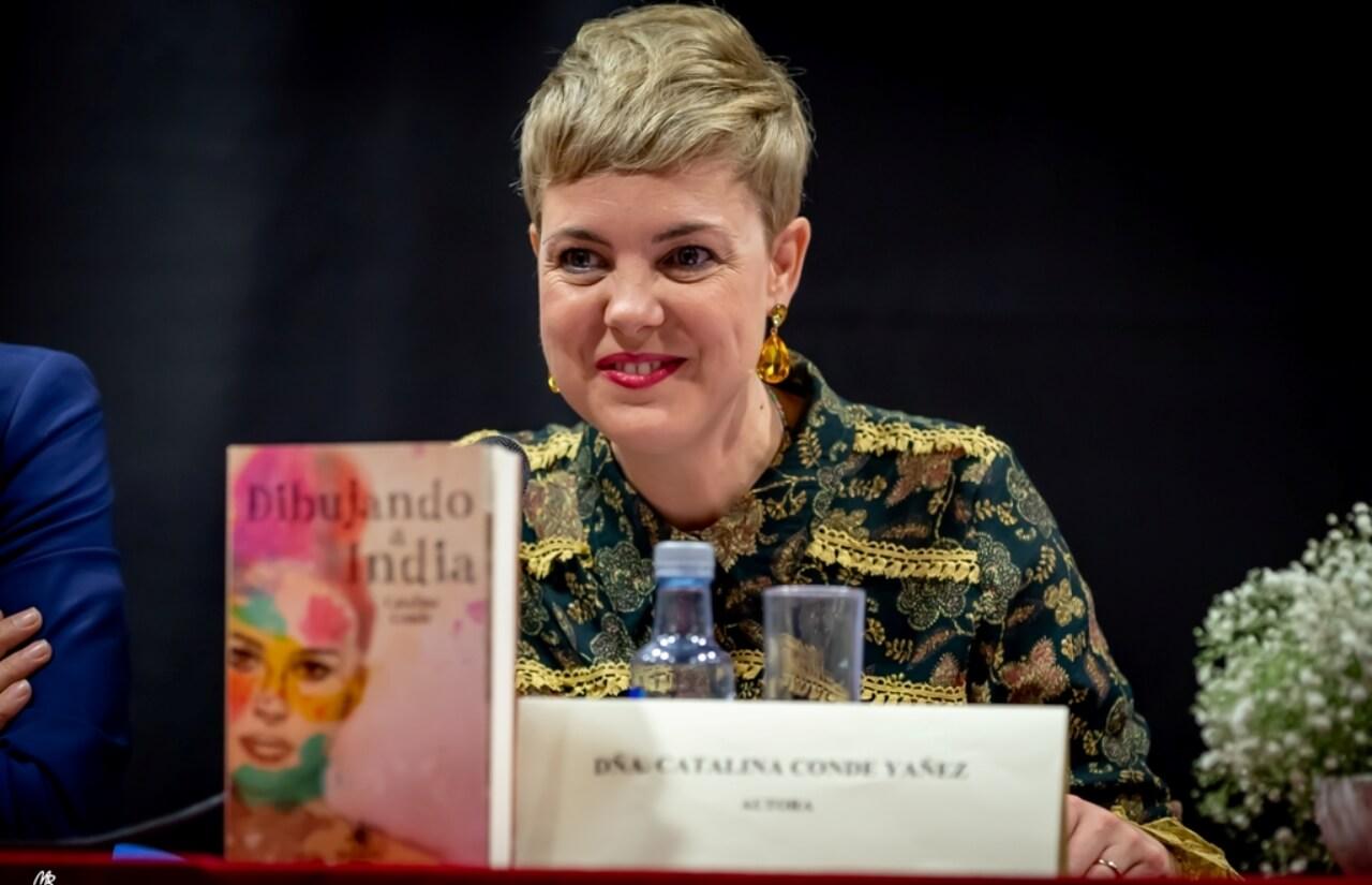 Gran expectación en la presentación de la nueva novela de la escritora isleña Catalina Conde