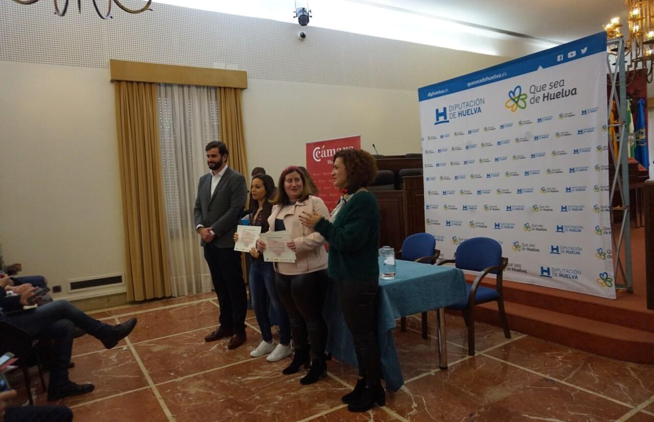 Diputación y Cámara entregan los diplomas acreditativos a un centenar de jóvenes que han participado en el programa PICE