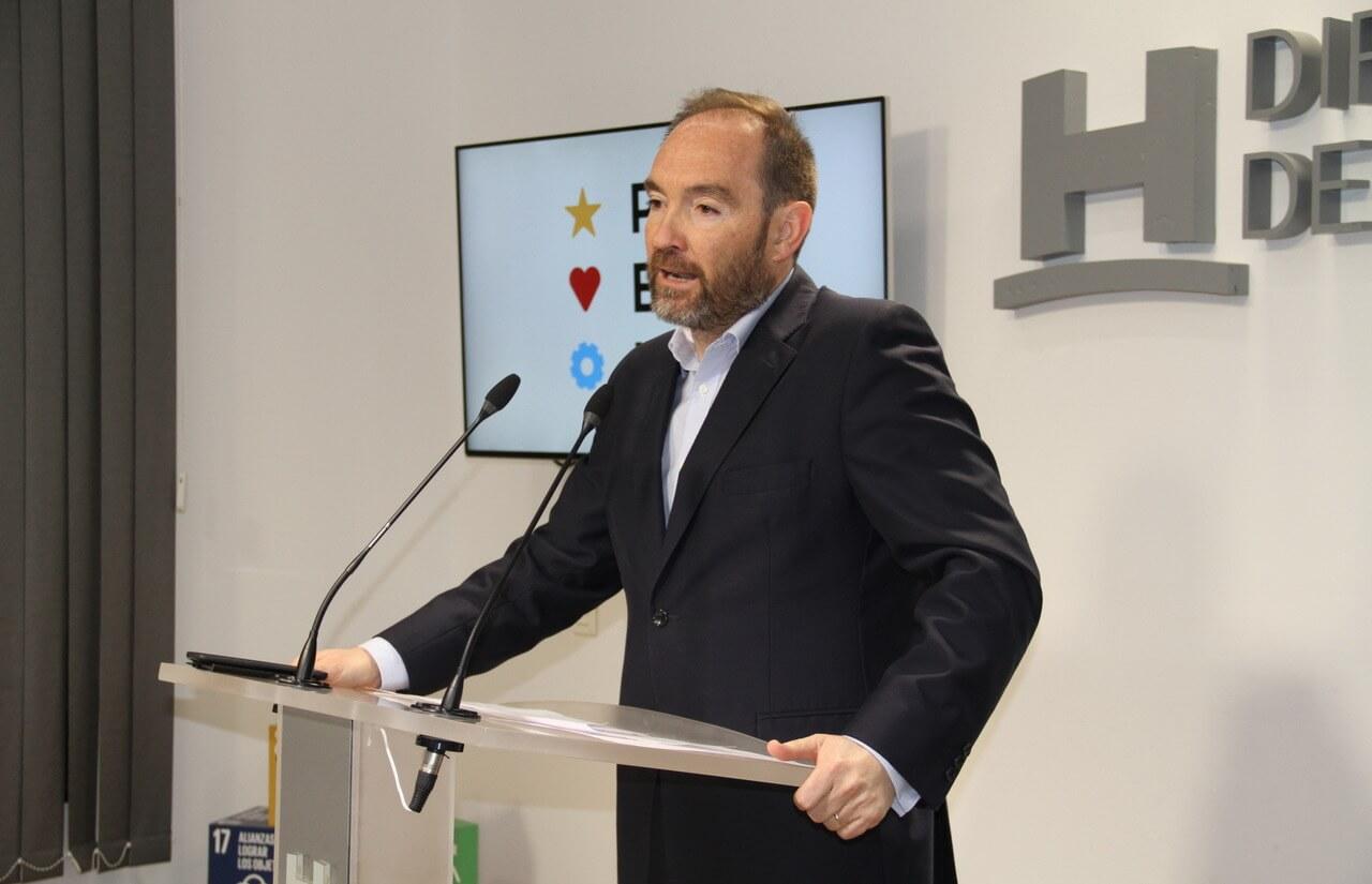 La Diputación de Huelva presenta un presupuesto municipalista, inversor y cohesionador con el territorio