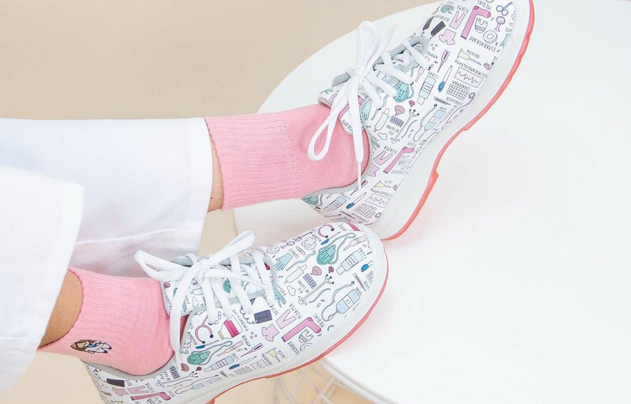 «Con Buen Pie: El Calzado Adecuado en el Trabajo»