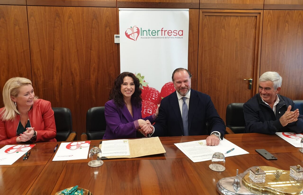 Igualdad e Interfresa firman un convenio de colaboración para la prevención del acoso hacia las trabajadoras extranjeras