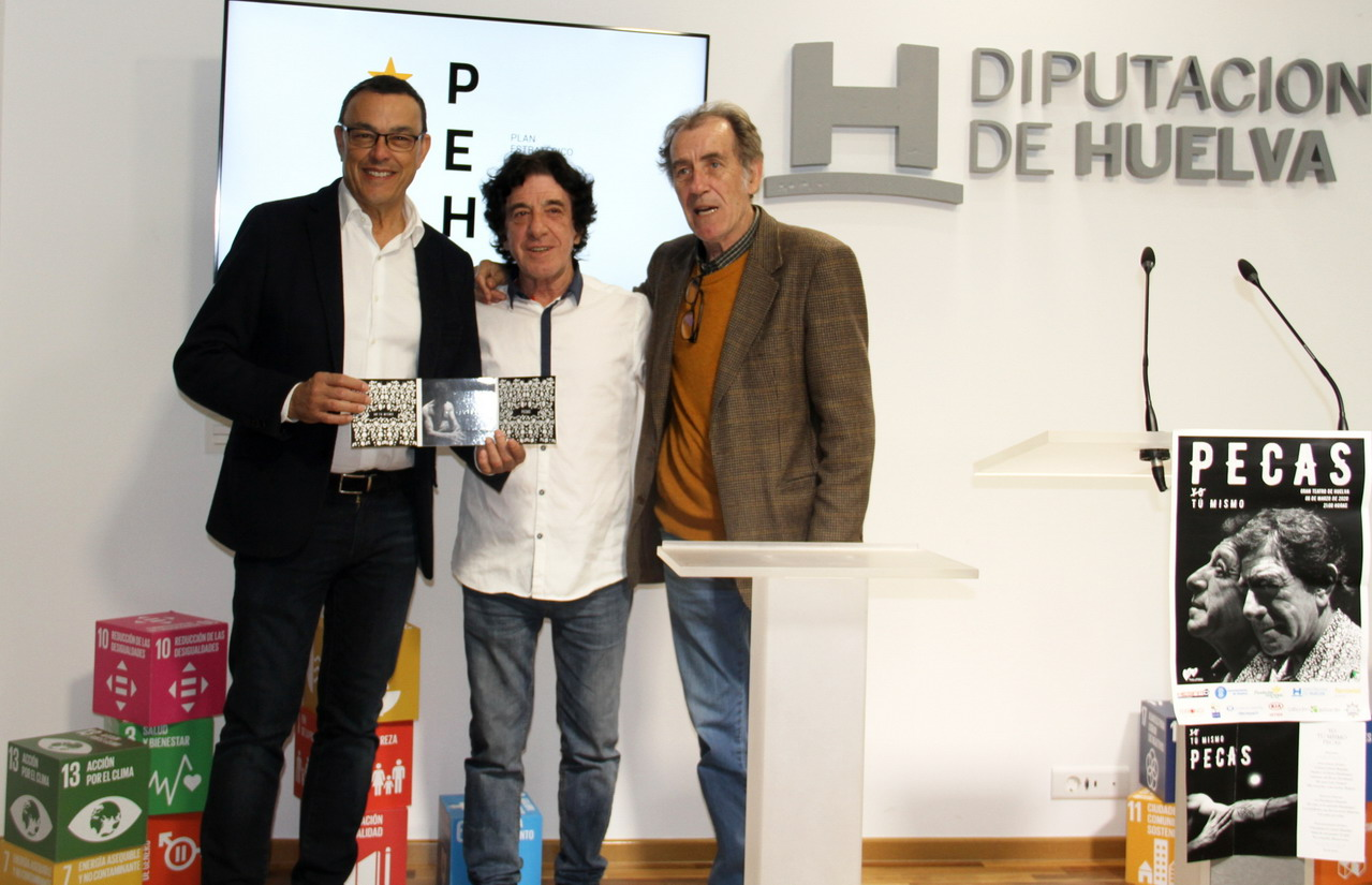 Caraballo acompaña al cantaor onubense Vicente Redondo 'El Pecas' en la presentación de su nuevo disco 'Yo, tú mismo'