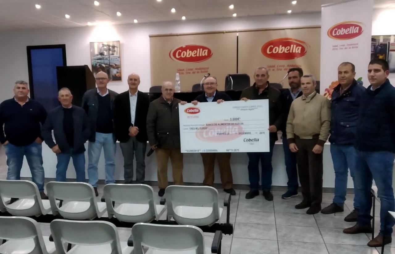 Cobella dona 30.000 euros al Banco de Alimentos de Huelva, Cáritas y a Servicios Sociales del Ayuntamiento de Lepe