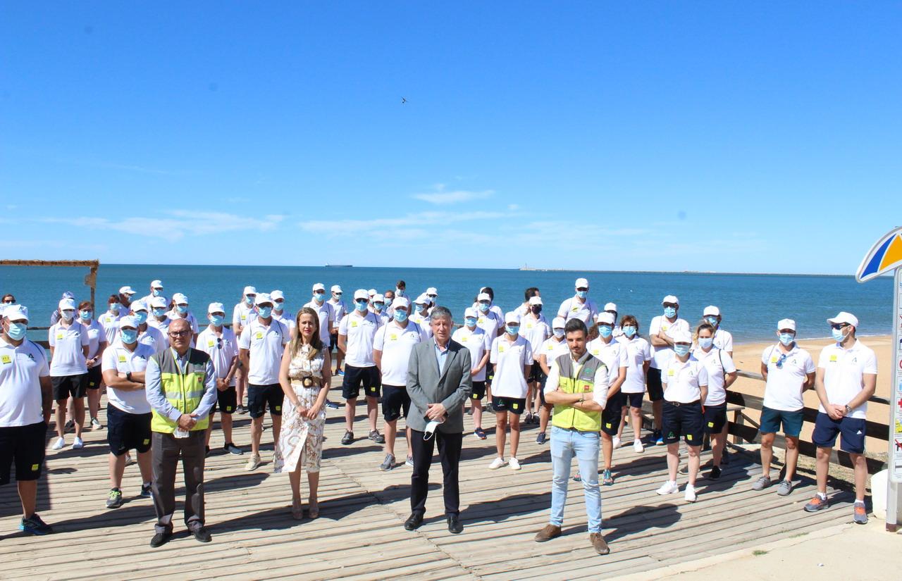 La delegada del Gobierno presenta en Huelva el Plan de Playas Seguras
