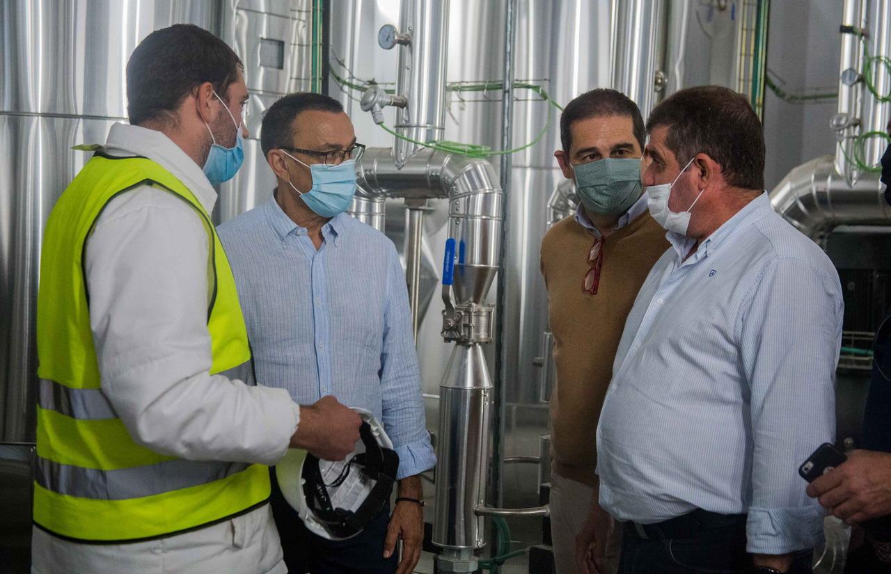 Caraballo destaca la generación de empleo y riqueza que la planta de El Pozo en Jabugo supondrá para toda la comarca