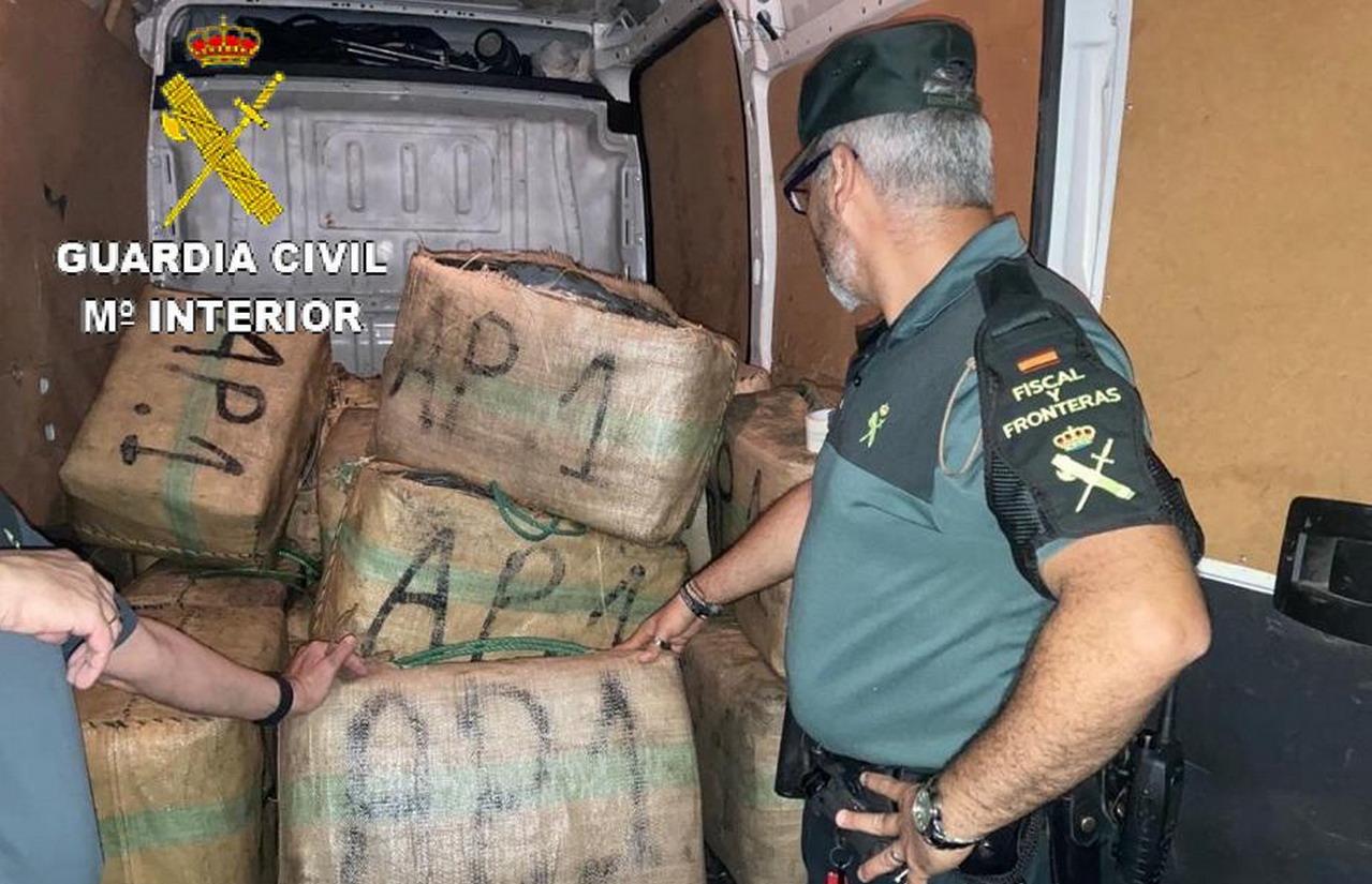 La Guardia Civil ha intervenido una gran cantidad de hachís en la localidad de Isla Cristina