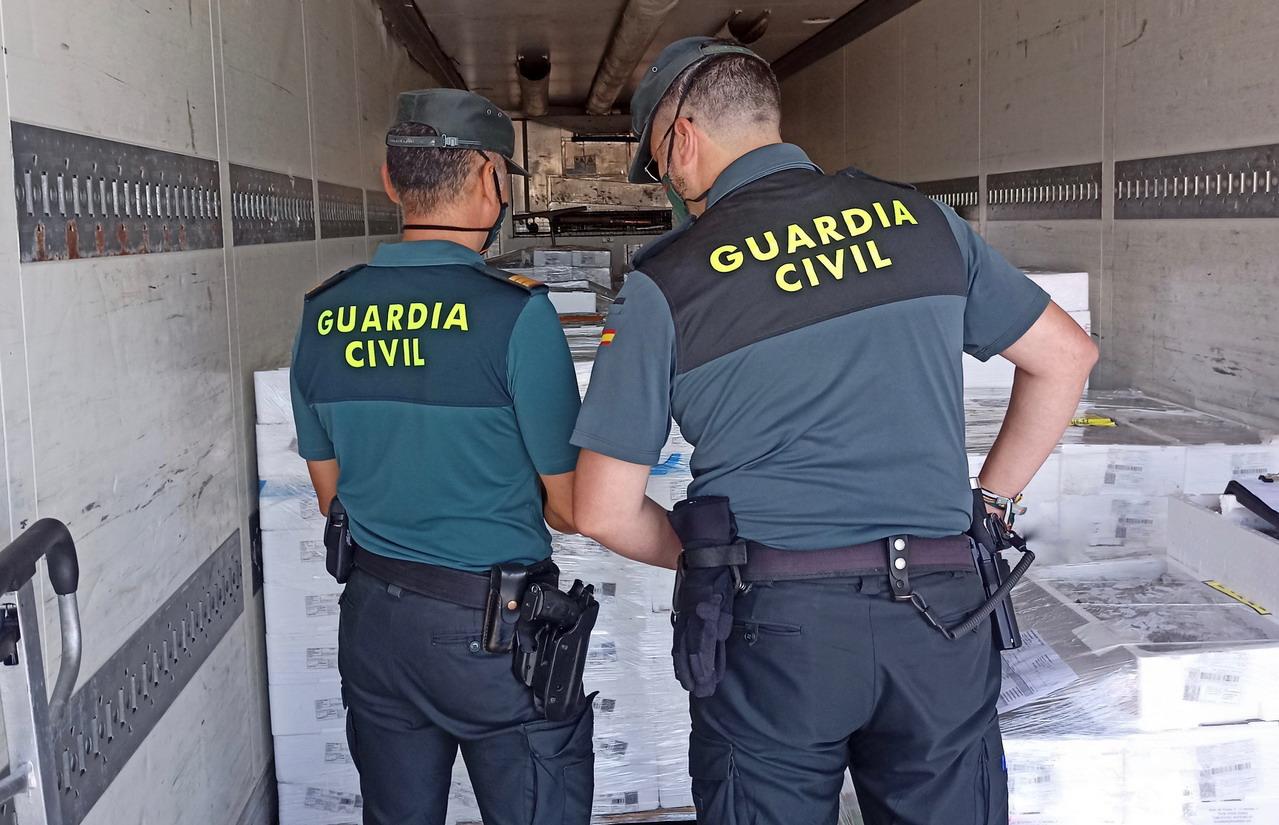Intervenida una gran cantidad de sardinas que carecían de documentación en Isla Cristina