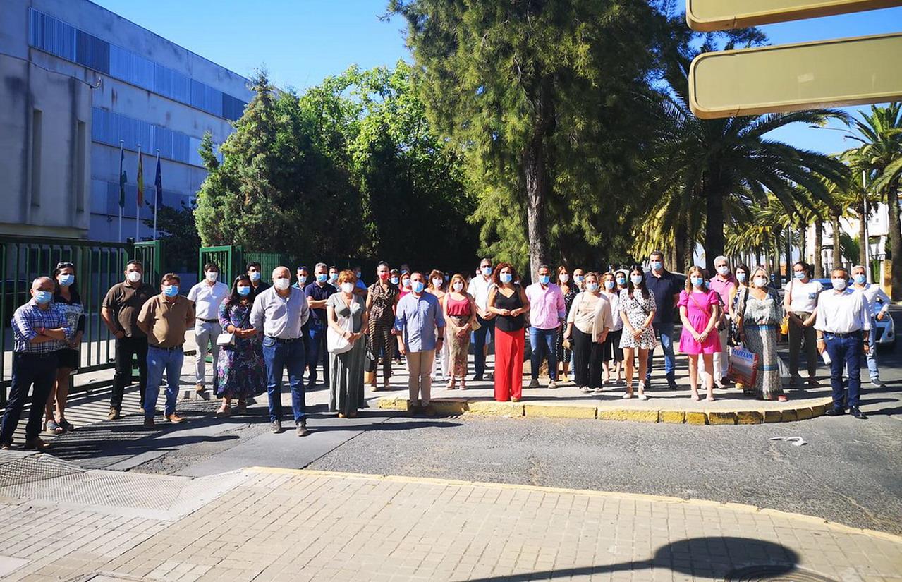 Los alcaldes piden por escrito a la Junta que asuma sus competencias en desinfección de colegios