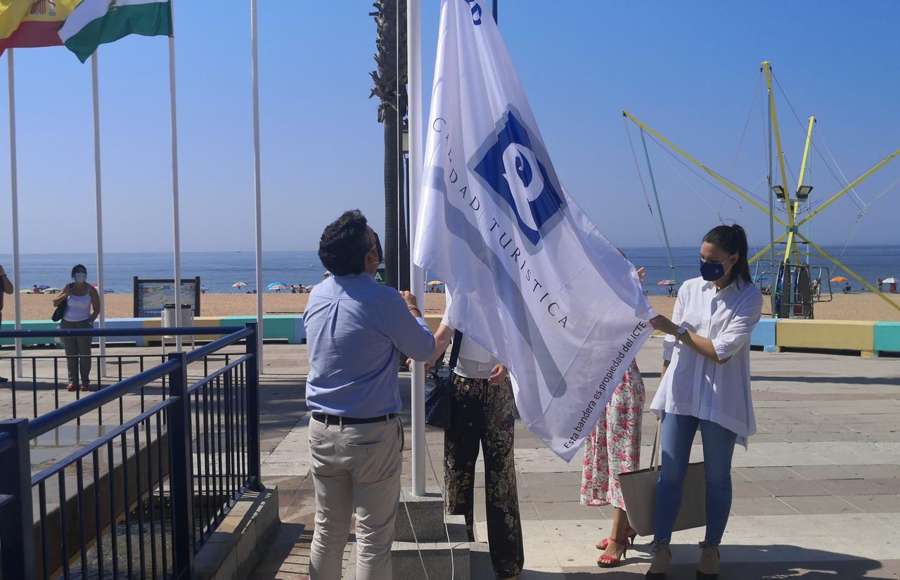 La playa de La Antilla luce nuevamente en 2020 la bandera «Q de Calidad» como reconocimiento a su calidad ambiental