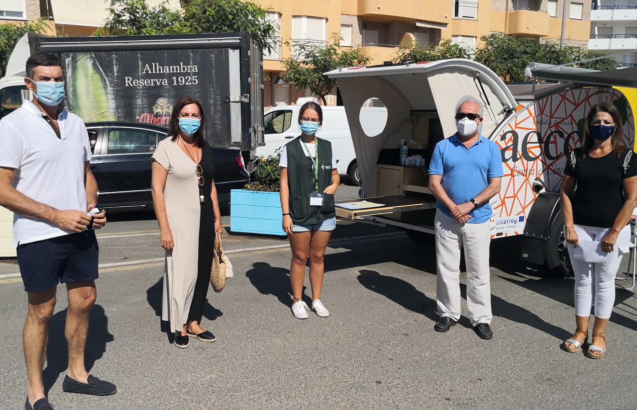 La AECC promociona su campaña de prevención del cáncer de piel en La Antilla