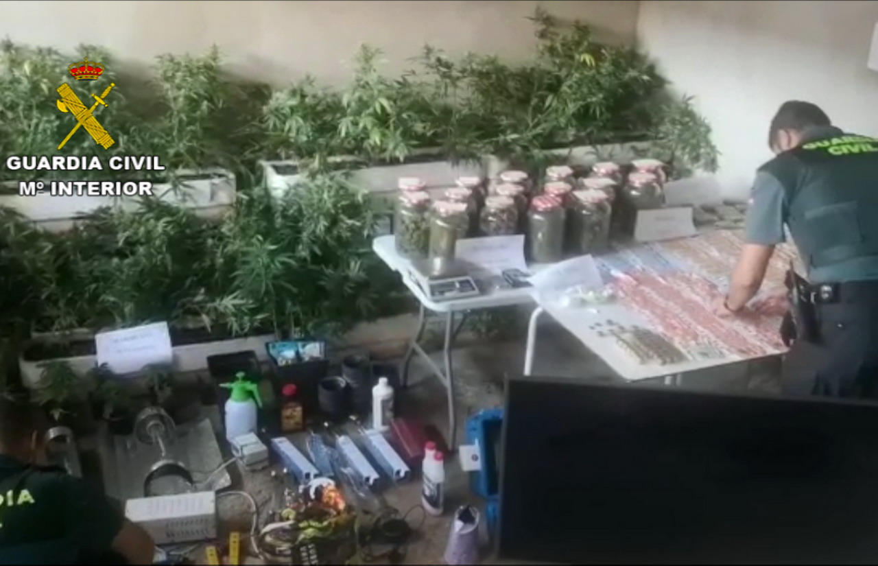 La Guardia Civil desarticula tres puntos de venta de droga en las localidades de Moguer, Lepe y Nerva