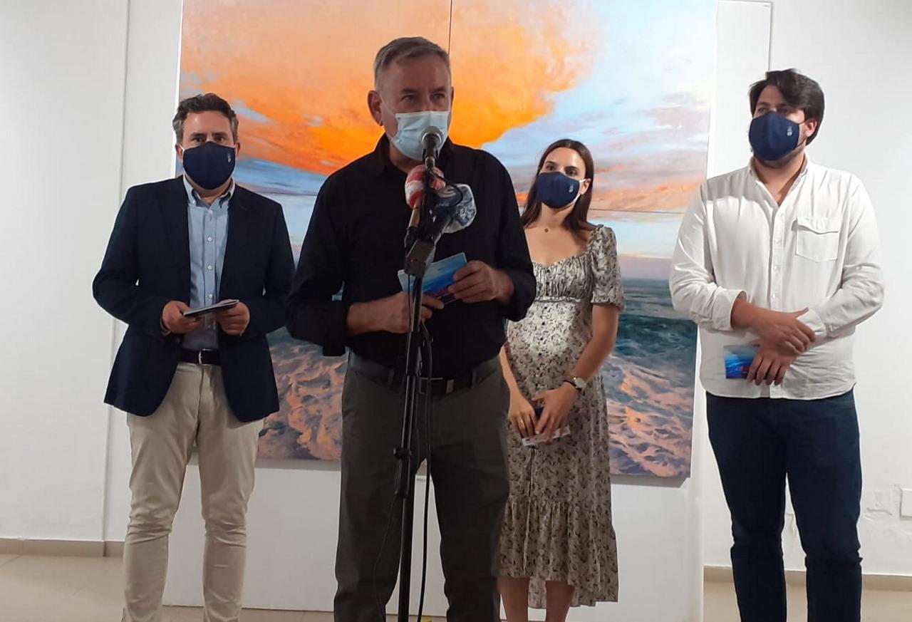 Inaugurada la exposición «Mar de fondo» de Enrique Santana en Los álamos en La Antilla