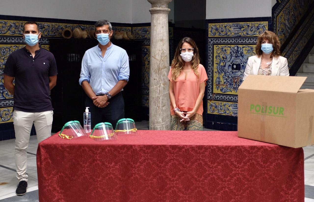 Ayamonte entregará a los escolares máscaras faciales de protección donadas por la empresa Polisur
