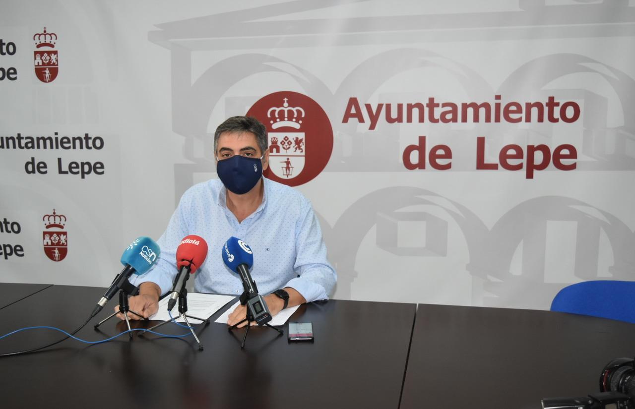El Ayuntamiento de Lepe contrata las obras para el abastecimiento de agua al CHARE