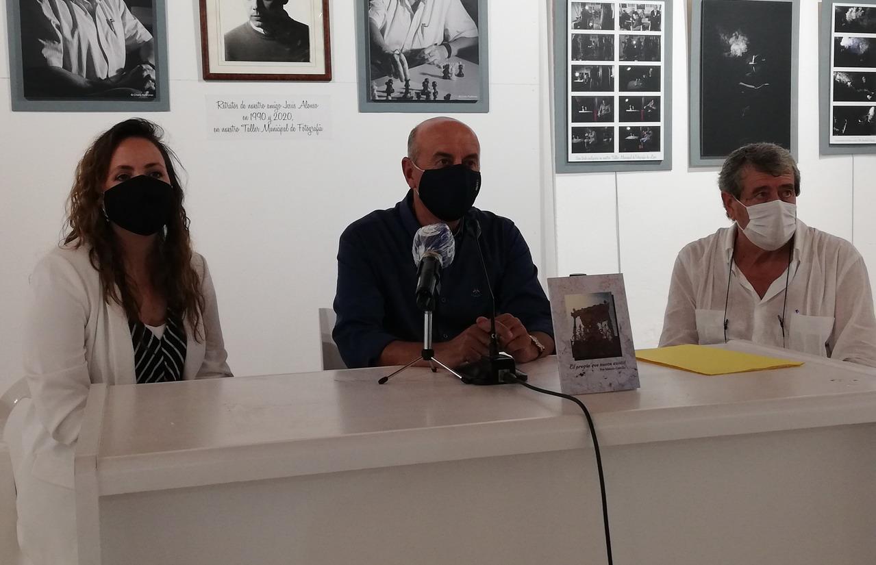 El conocido autor lepero Manolo Castillo presenta su nuevo libro «El pregón que nunca existió»