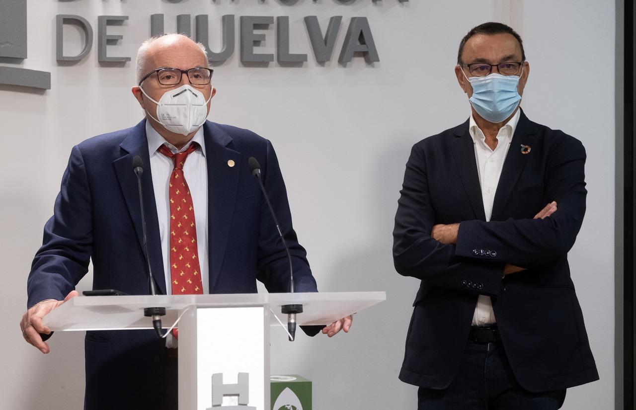 Diputación y el Colegio de Farmacéuticos ponen en marcha una campaña para concienciar sobre la vacunación de la gripe