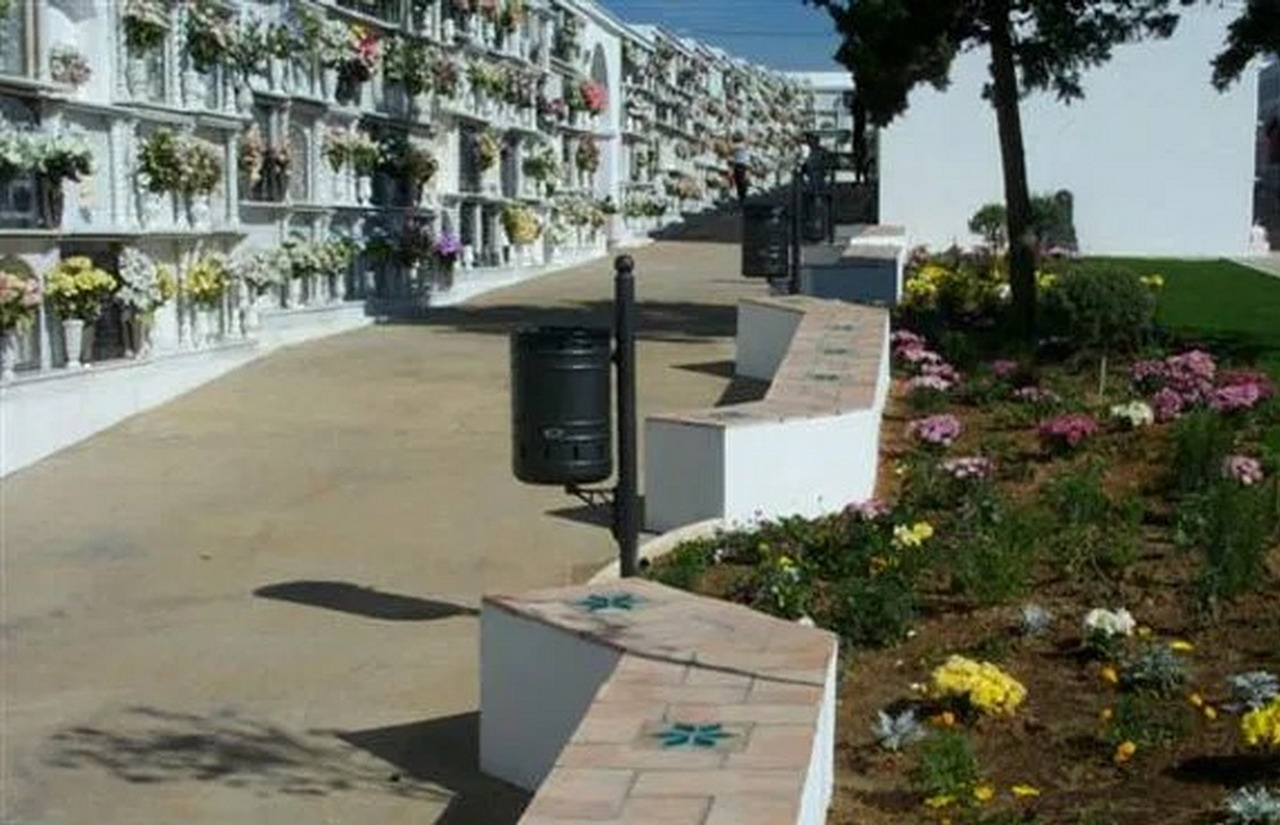Lepe y Cartaya adoptan medidas para evitar aglomeraciones en los cementerios