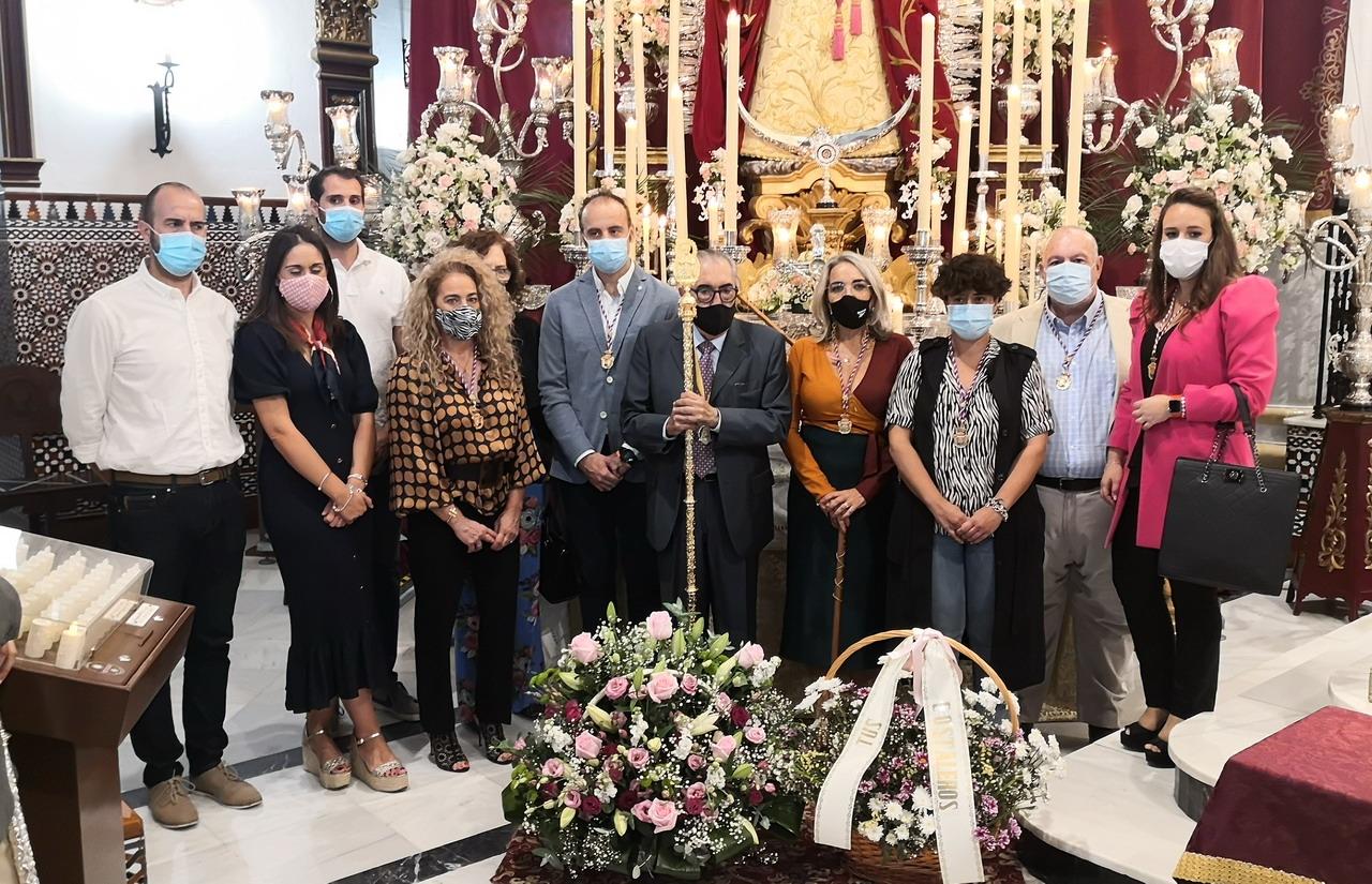 El Ayuntamiento de Cartaya realiza su tradicional ofrenda floral a la Patrona de la localidad