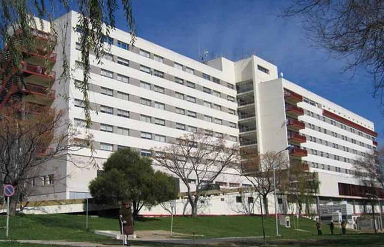El Hospital Infanta Elena recibe a los 13 nuevos residentes que inician en el centro su formación como especialistas