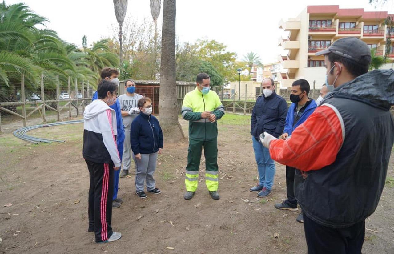 Ayamonte pone a disposición de AFAJE el parque Prudencio Navarro para la puesta en marcha de un vivero de plantas